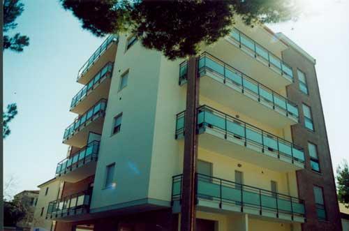 2003 – Edificio multipiano